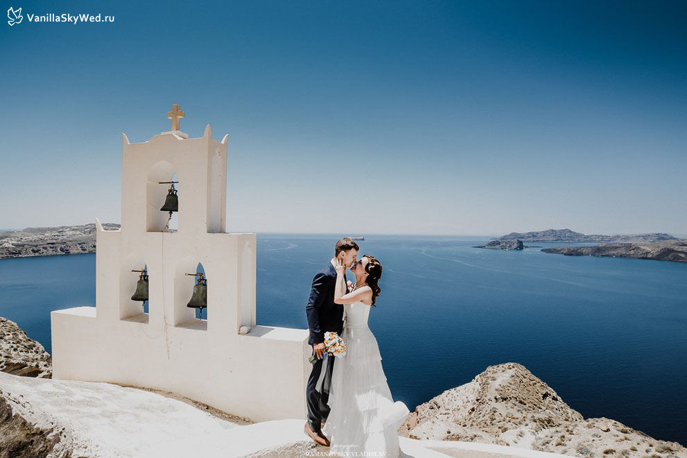 SANTORINI WEDDING IN JUNE_1.jpg